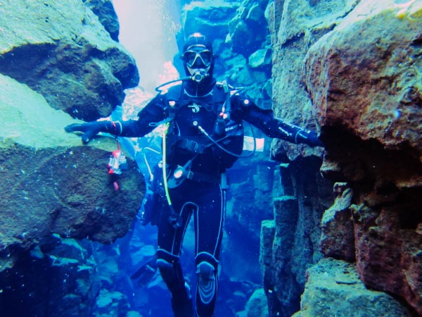 Dive Between Continents in Silfra